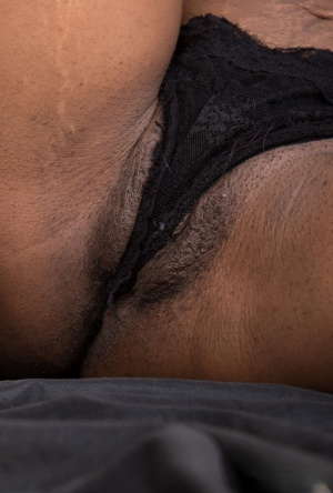 Ebony Pussy In Panties Porn