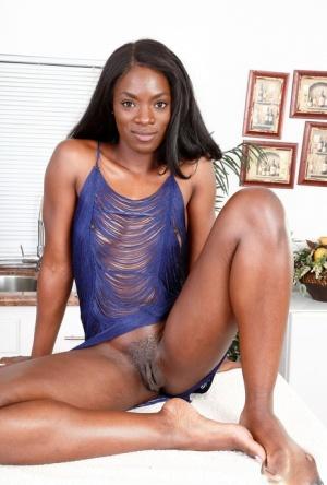 Ebony Pussy Spreading Porn